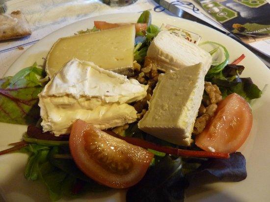 Aux Gouters Champetres: assiette de fromages à 15 euros !!!