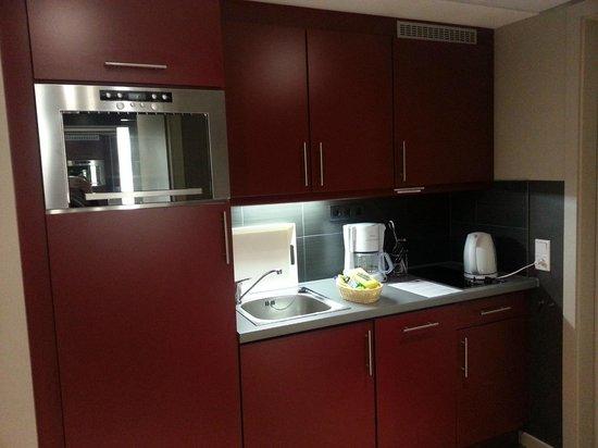 Adagio Muenchen City: Kitchen