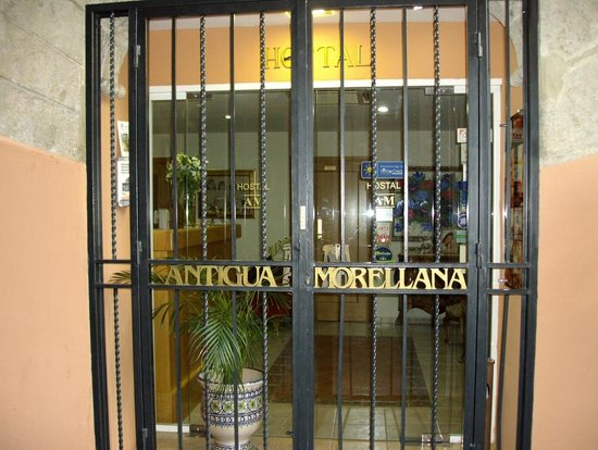 Antigua Morellana HS: ingresso principale