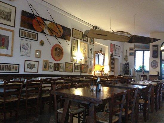 Sala da pranzo - Foto di Piccola osteria del Borgo, Dozza ...