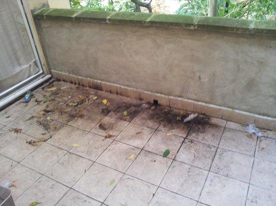 Kensington Aparthotel: vista de la mugre