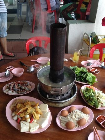 Cameron Organic Produce: charcoal organic steamboat