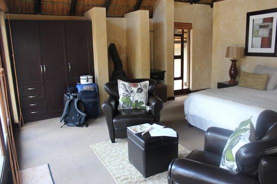 Morokolo Game Lodge: room