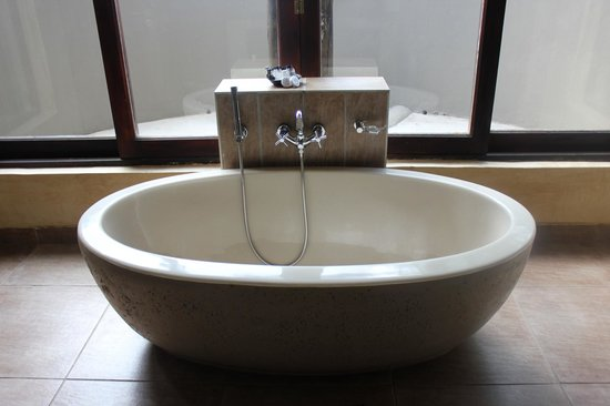 Morokolo Game Lodge: bathroom
