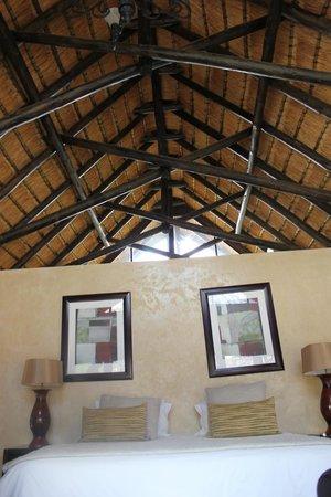Morokolo Game Lodge: room2
