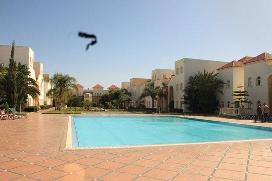 Hotel Ryad Mogador Essaouira: interno con piscina