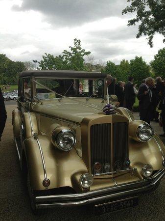 Tulfarris Hotel and Golf Resort : Wedding car