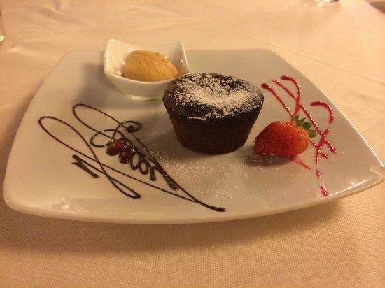 Maffei Restaurant: tortino cacao con gelato zucca e amaretto