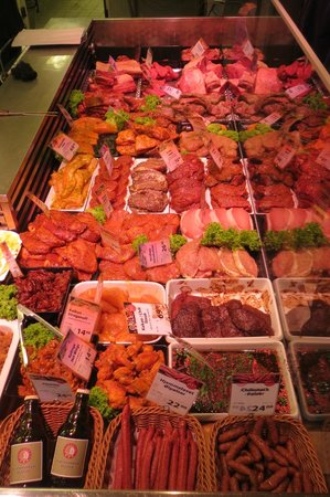 Slagter Stig Stoeberiet: Meat counter - choose your own, cooked to order
