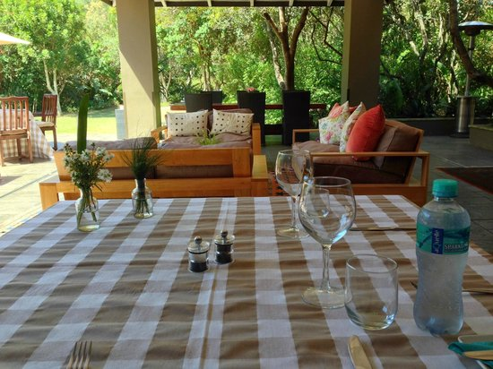 Prana Lodge : Breakfast, Lunch, Dinner, Poolarea