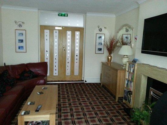 Mount Edgcombe: Residents Lounge
