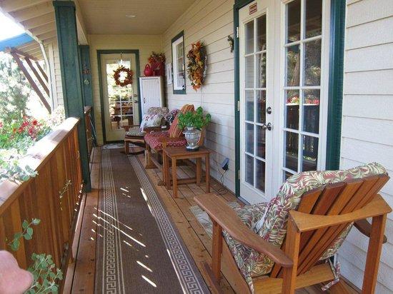 Hillside Inn B&B : Balcony Suite