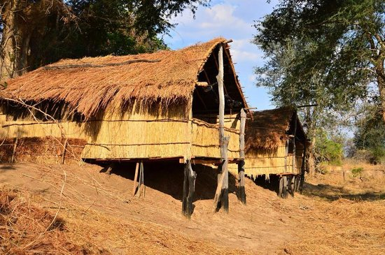 Buffalo Camp: The chalets