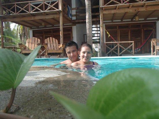 Hotel Nude Zipolite: Disfrutando en la alberca