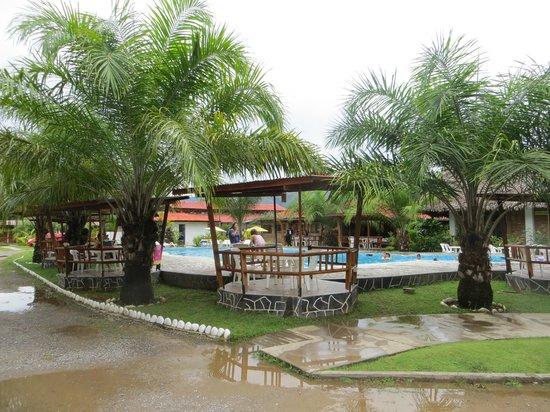 Tingo Maria National Park, Perù: Area de la piscina