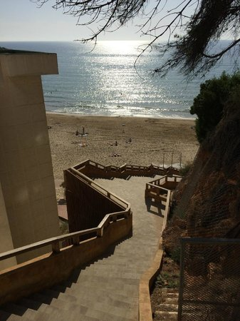 4R Salou Park Resort I: Steps to the beach