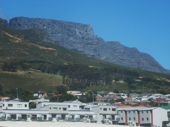 DoubleTree by Hilton Cape Town - Upper Eastside: View from hotel room