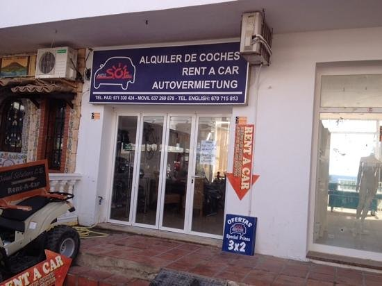 Apartments Es Cane: DO NOT USE THIS HIRE SHOP, TERRIBLE SERVICE.