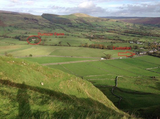 Dunscar Farm Bed and Breakfast: View showing the location of the farm relative to Castleton