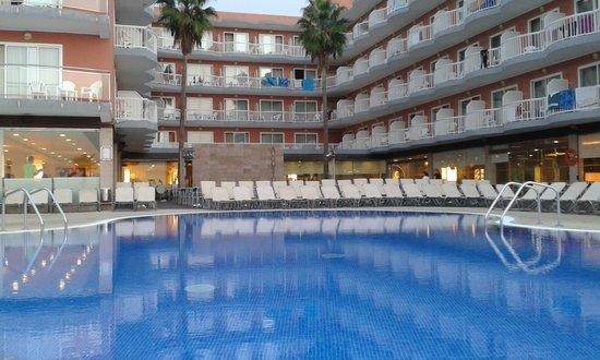 Hotel Augustus: Tres belle piscine