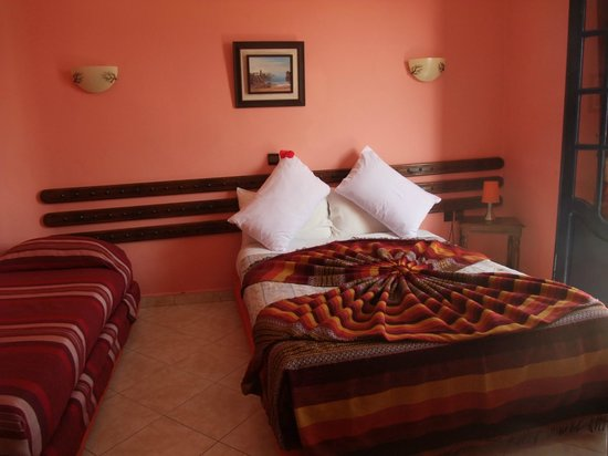 L'Initiale Hotel-Restaurant: une chambre