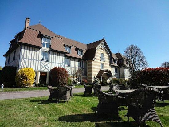Hotel Le Manoir de la Poterie & Spa: Extérieur Manoir Terrasse Ambre