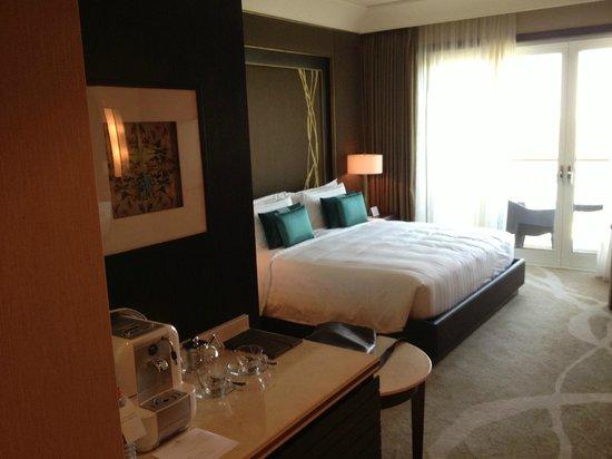 Anantara Eastern Mangroves Hotel & Spa: Bed