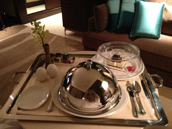 Anantara Eastern Mangroves Hotel & Spa: Room service
