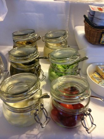 Pension Kraml: Cute little jars with all sorts of fresh condiments!