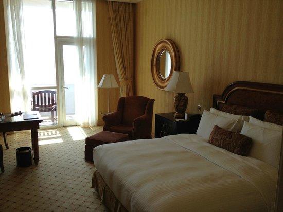 The Ritz-Carlton, Doha: Bed