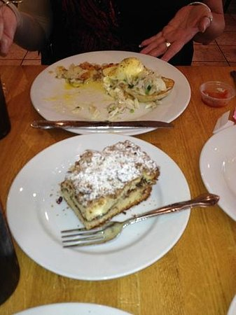 Sunflower Bakery and Cafe: Eggs Benedict with Lump Crab meat *PERFECT* and coffee cake