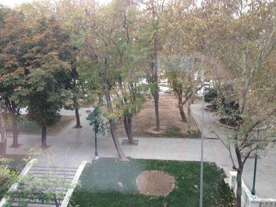 Gezi Hotel Bosphorus: View onto the park