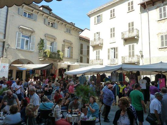 Domodossola, İtalya: Market day