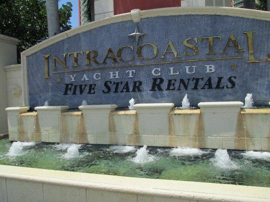 Residences at Intracoastal Yacht Club: Entrada