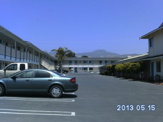Courtesy Inn San Simeon: X Files Motel!
