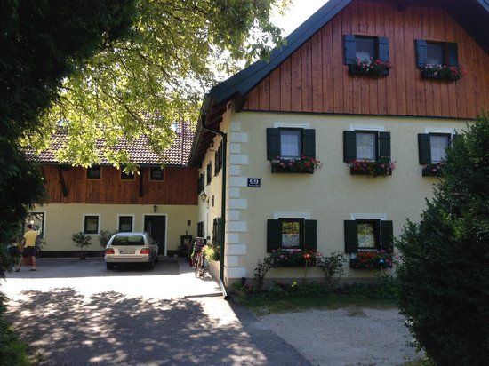 Haus Ballwein: Front of complex