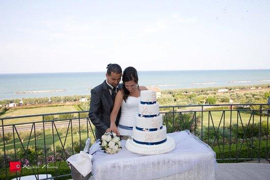 Parco sul Mare: il taglio della torta vista mare