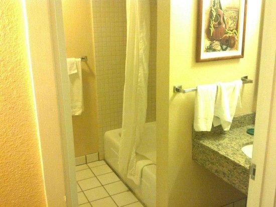 Aston Aloha Beach Hotel: Good enough