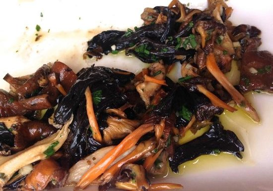 La Sirena : Four varieties of wild mushrooms sautéed with garlic and parsley