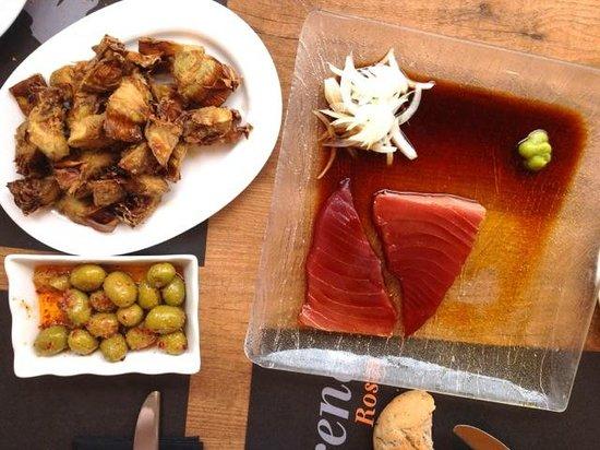 La Sirena : Tuna sashimi, crispy fried artichoke hearts, garlicky olives