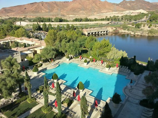 Hilton Lake Las Vegas Resort & Spa: Pool and Lake