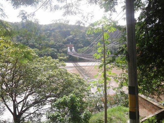 Hotel Mariscal Robledo : Puente de Occidente