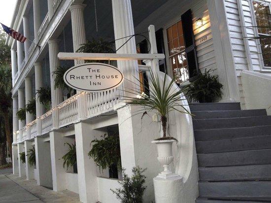 The Rhett House Inn: Front enterance