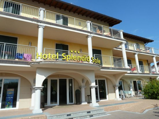 Hotel Splendid Sole: Front of hotel