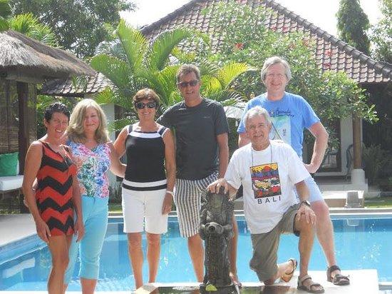 Villa Adinda: samen met de eigenaars op de foto Leen & Dirk
