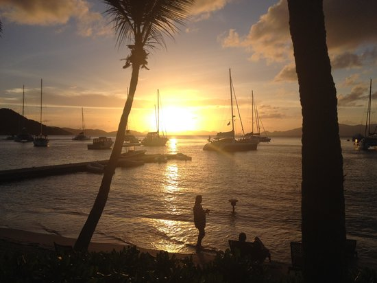 Cooper Island : Beautiful Sunsets