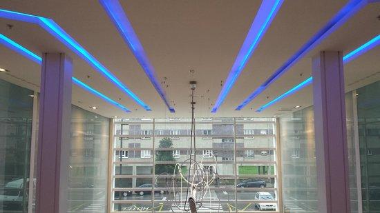 Ayre Hotel Oviedo: Lobby do hotel