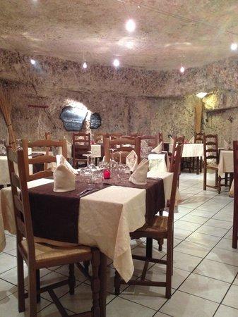 Les Caves de la Croix Verte : Magnifique restaurant