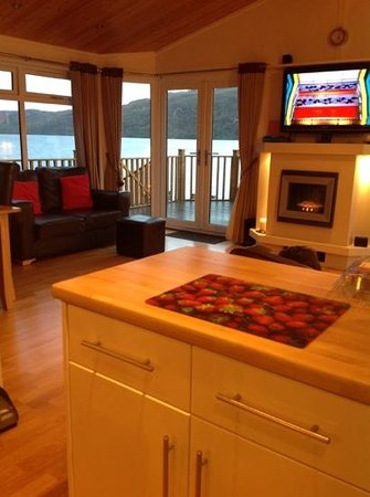 Loch Ness Highland Lodges: lodge 4 view from kitchen