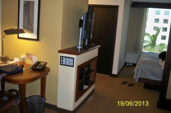 Hyatt Place Ft. Lauderdale Airport & Cruise Port: Apartamento